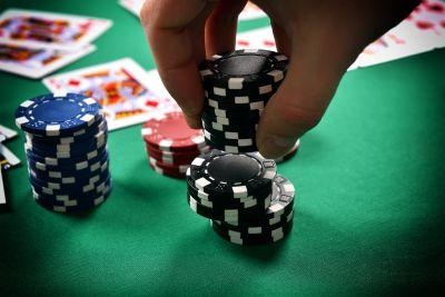PokerHandWinningChips
