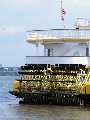 RiverboatPoker